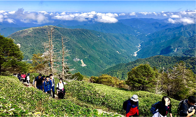 Travel the 100 famous mountains of Japan
